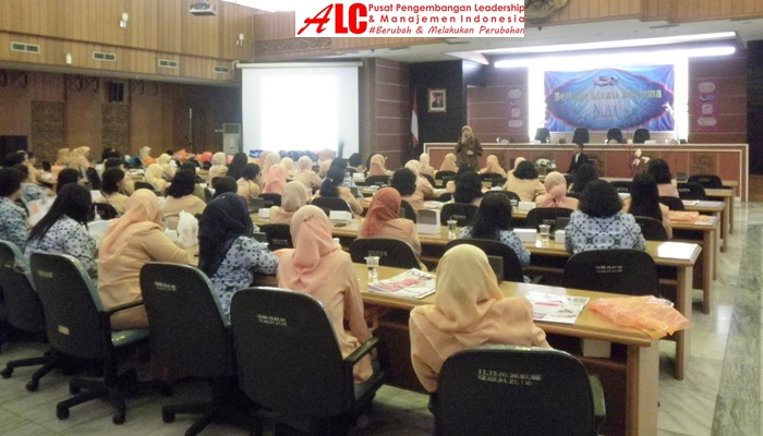 Motivator-Indonesia-Ainy-Fauziyah-Motivasi-Sukses-Leadership-Motivation